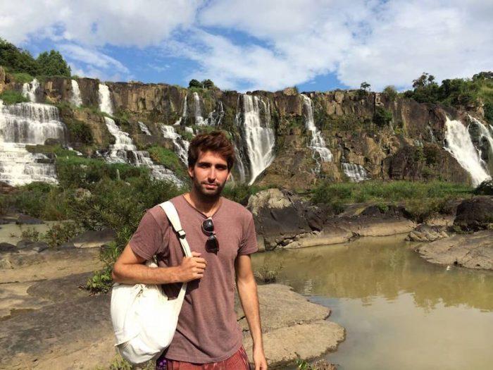 Bosco Soler en las cascadas de Pongour, Vietnam