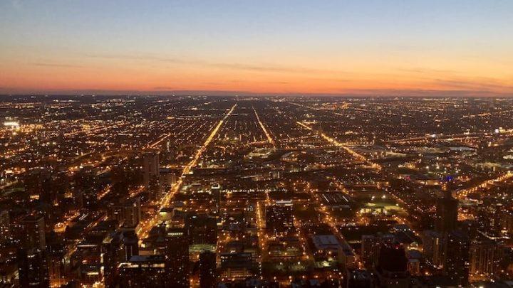 Vista de Chicago al atardecer desde uno de sus rascacielos.