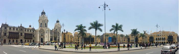 Plaza de Armas de Lima en mi viaje a Perú
