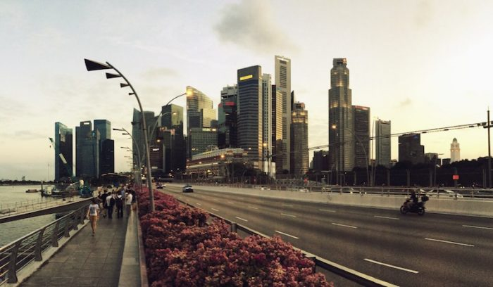 Esplanade Bridge de Singapur.